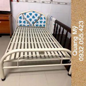Giường sắt giá rẻ rộng 1m2 x 2m