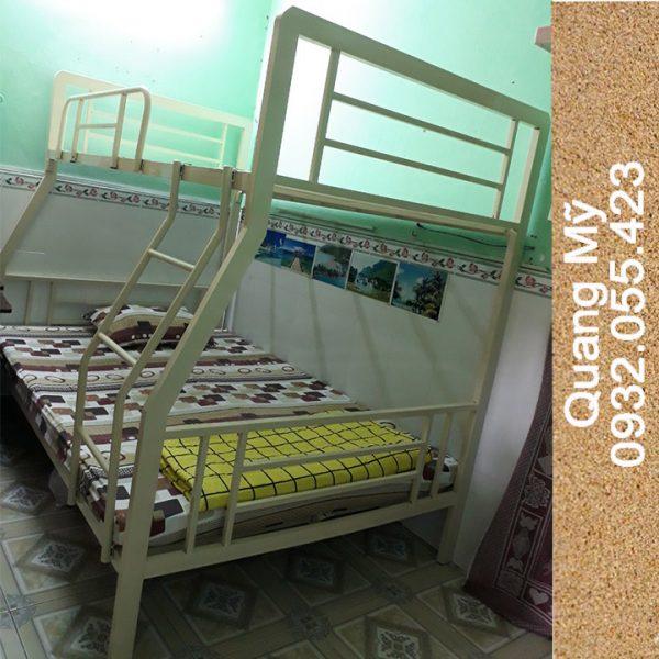 Giường tầng sắt hộp vuông trẻ em 08m x 1m