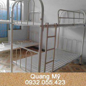 Giường 2 tầng sắt giá rẻ 0,8M
