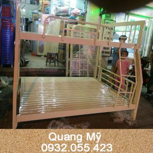 giuong-tang-sat-hop-vuong-tre-em-1m4-x-1m6