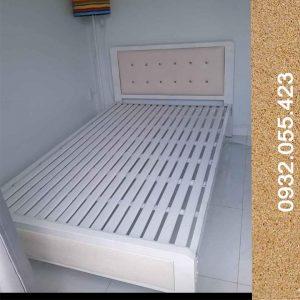 Giường-sắt-1m2-hộp-vuông-giá-rẻ