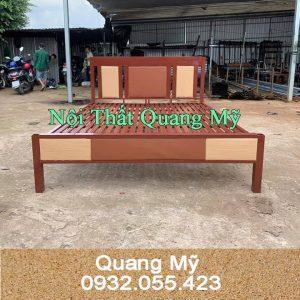 Giường sắt giá rẻ giả gỗ 1m8