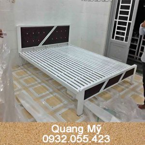 Giường-sắt-hộp-vuông-rộng-1m4x2m